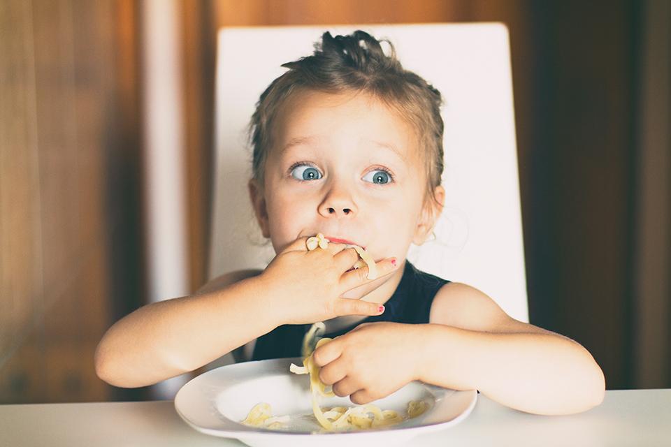 อาหารสำหรับเด็กเล็กควรเลือกทานอย่างไร